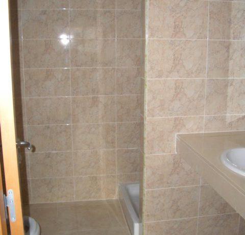 Puig i Cadaf. lavabo suite